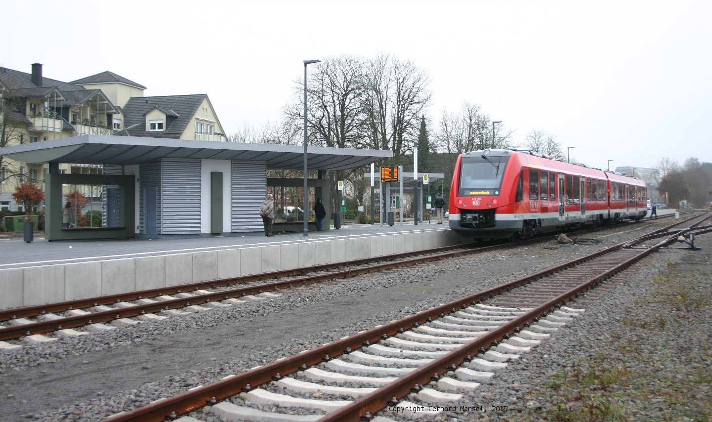 This is how modern local public transport in the Wiehl valley could look like: DB-Lint at the barrier-free platform of Wiehl Stn., which is already fit for local public rail transport..