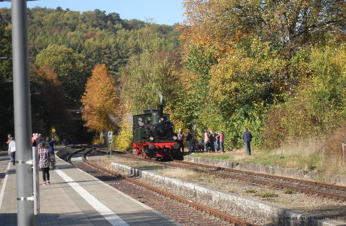 Steam locomotive 'Waldbröl' is taking fresh water
